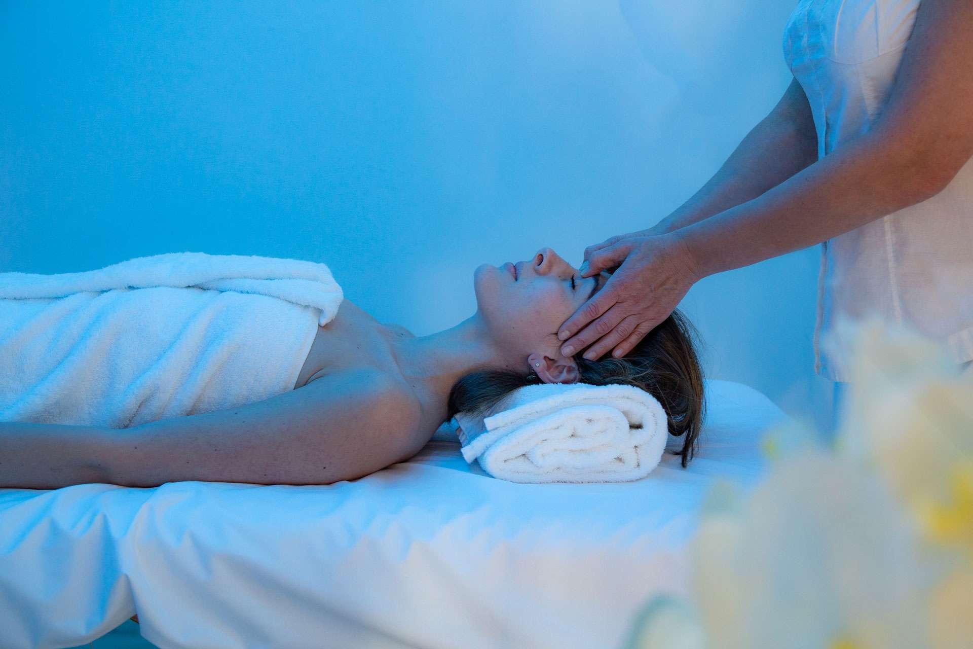 Massaggio all'interno del nostro Centro benessere & Spa vicino a Firenze