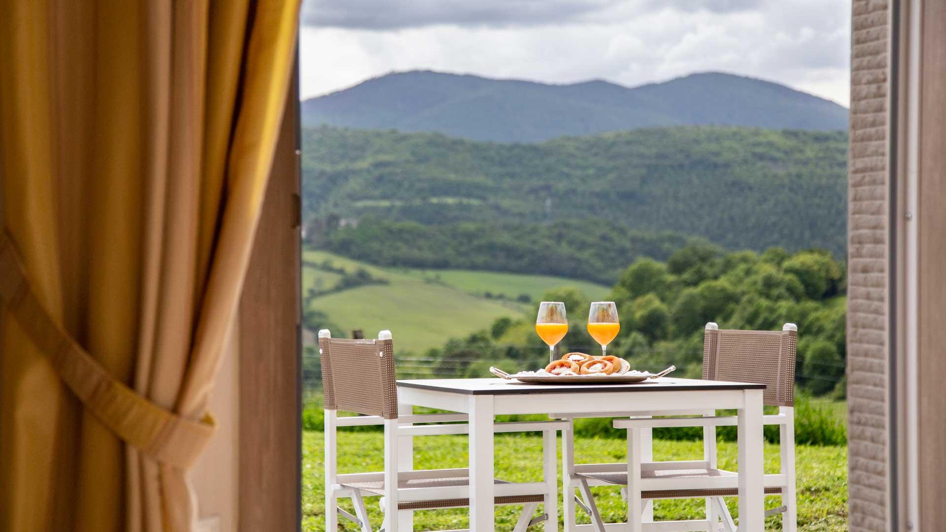 terrazza privata con vista sulla campagna vicino a Firenze